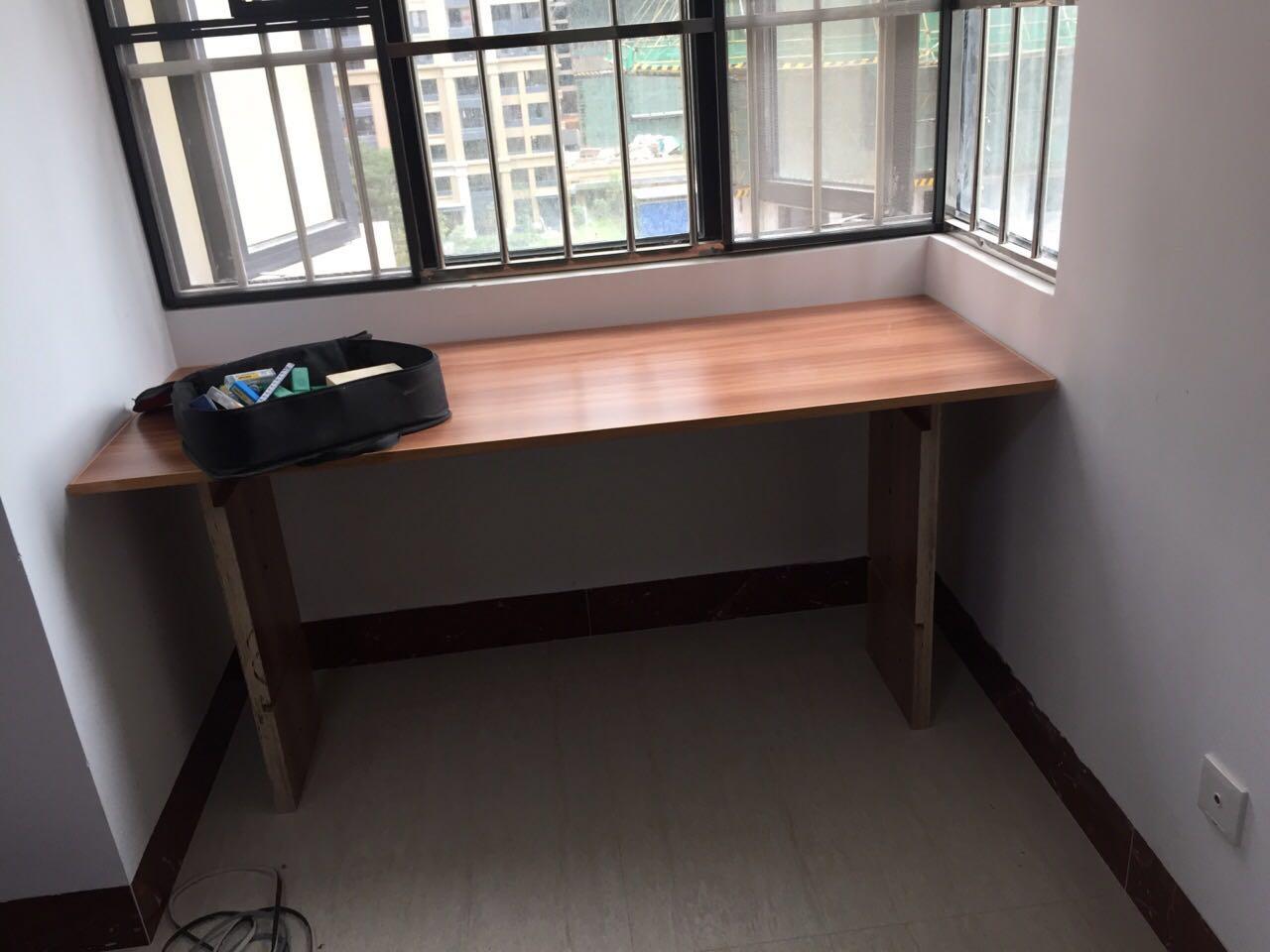 边脚料做的桌子