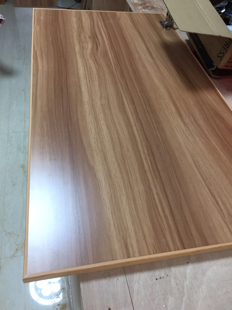可拆叠的桌板