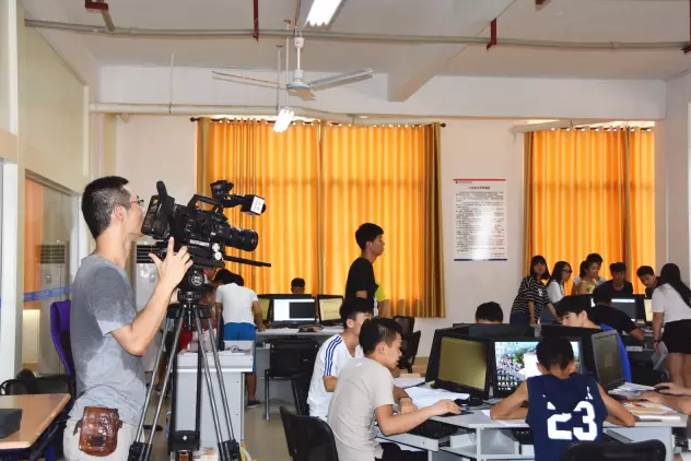 CCTV节目组在培贤开机