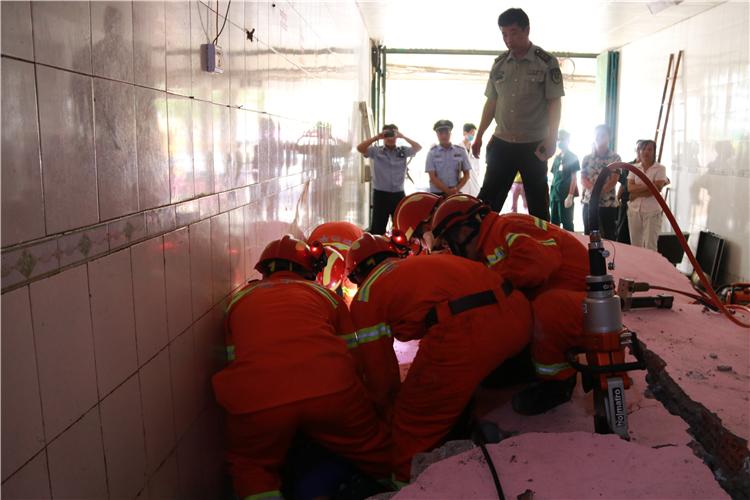 救援过程(二).JPG