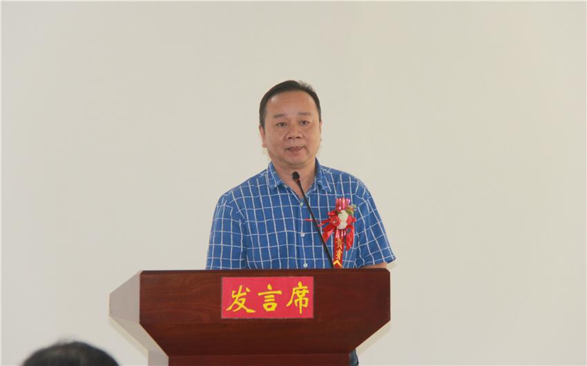5百色市物业管理行业协会会长农春丰发言.JPG